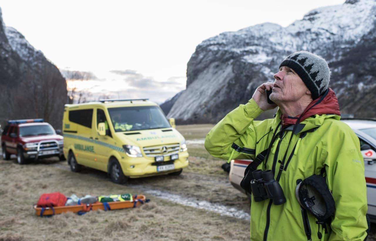 ALPINT ANSVAR: Så lenge tindesporten har eksistert, har klatrere hjulpet hverandre når uhell skjer. Tidligere leder av RAR, Ture Bjørgen, har skrevet bok om temaet. Foto: Jarle Aasland, Stavanger Aftenblad
