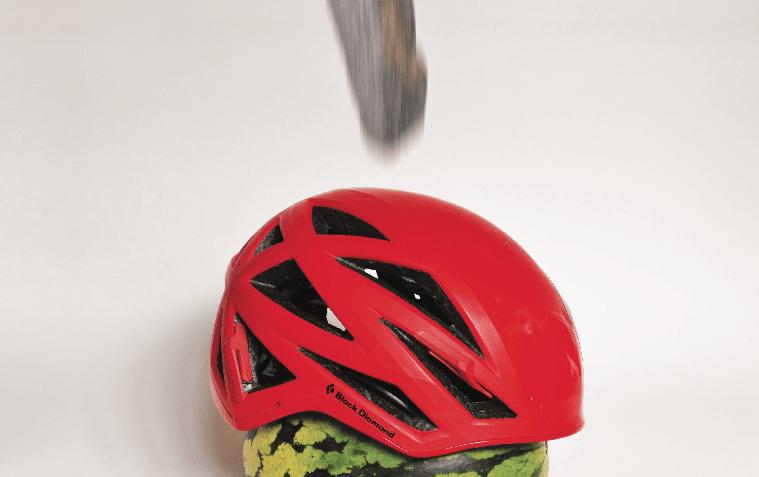 Stein, hjelm og melon ... en fin test. Foto: Nikolai Kolstad