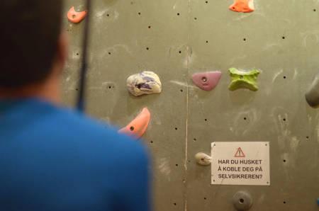 Lær deg å klatre trygt med autobelay, og unngå ulykker.
