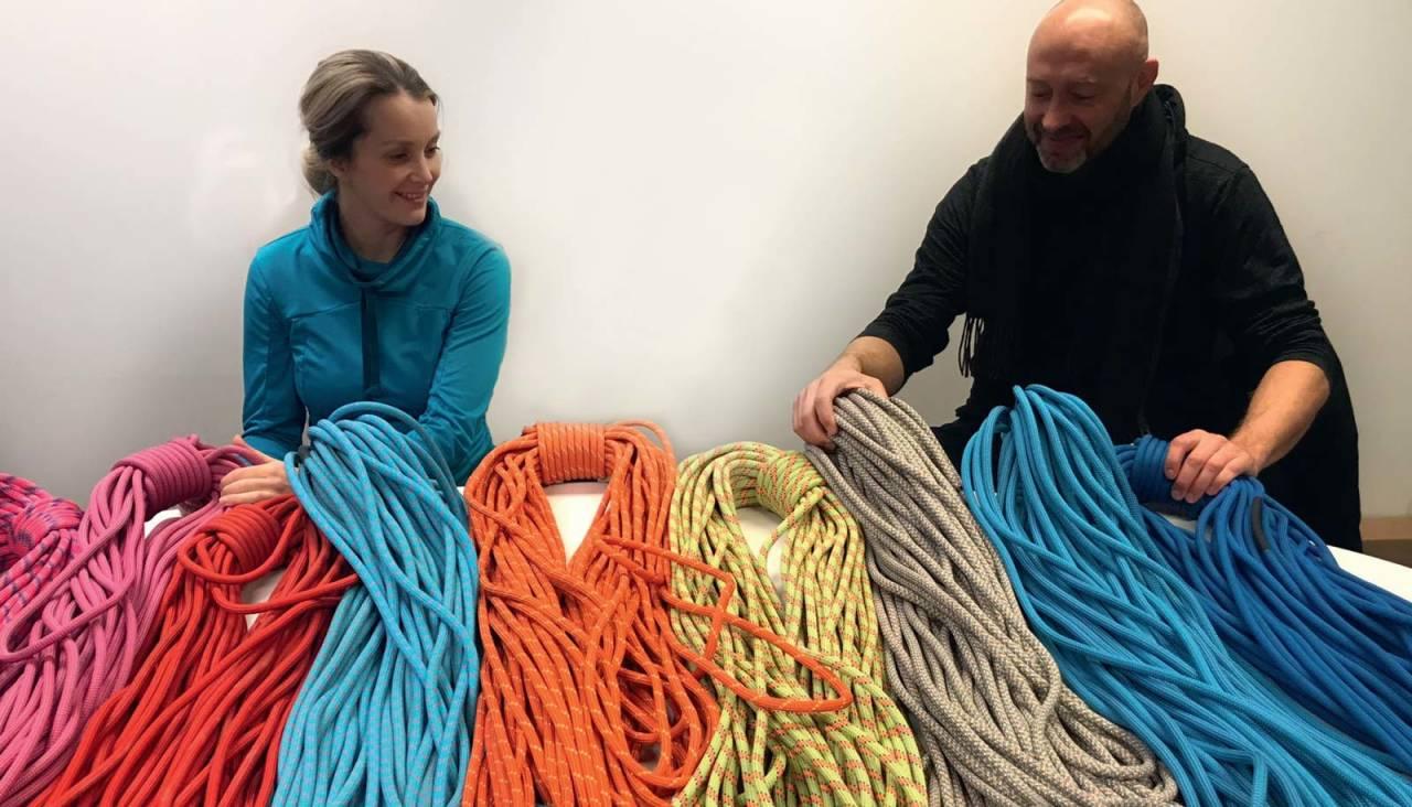 Vurderer: Karoline Lund Hagen og Erik Neergaard er tett på ulike taukvaliteter. Foto: Dag Hagen