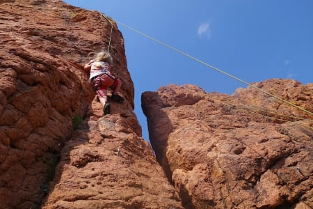 Test av klatresko for barn