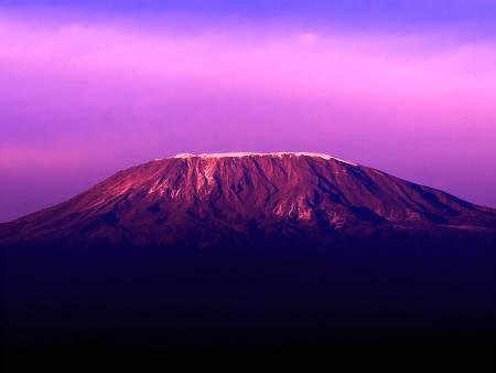 HØYT MÅL: For mange er det en stor drøm å nå toppen av Kilimanjaro. For de fleste er det et oppnåelig mål, men den afrikanske storheten skal ikke undervurderes og det krever gode forbedelser.